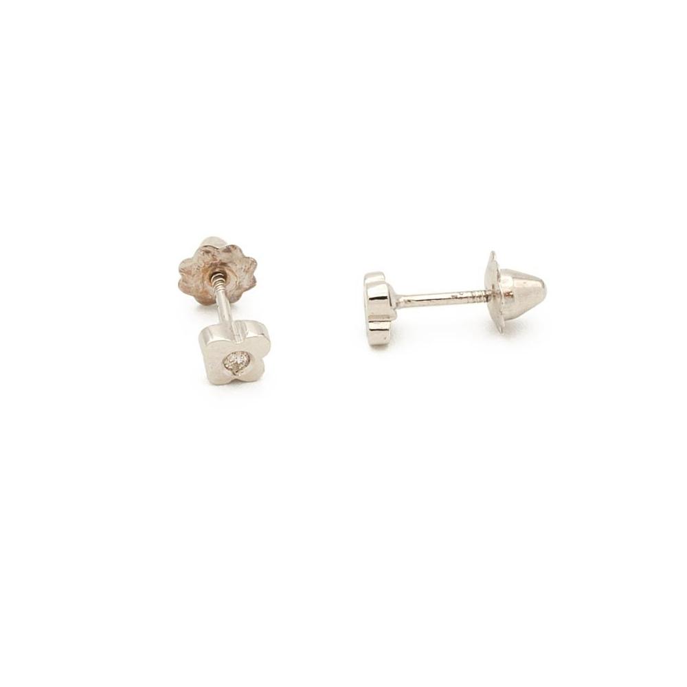 178a2e41d8fb Previous. Pendientes de oro blanco y diamantes en forma de trébol.  Pendientes de oro blanco y diamantes en forma de trébol