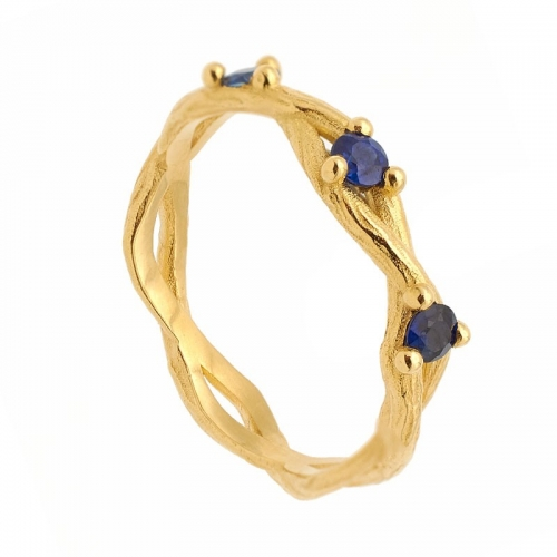 Sortija de oro amarillo con tres zafiros - 0961