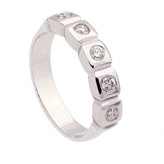 Sortija diamantes en cuadrados