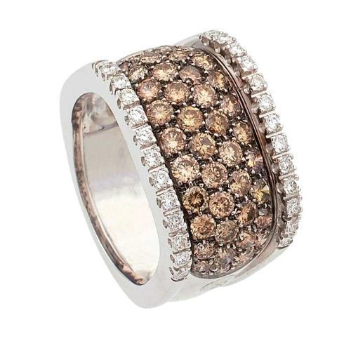 Sortija cuadrada de diamantes marrones y blancos