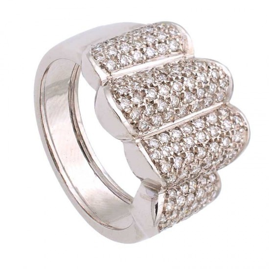 Sortija con pavé de diamantes