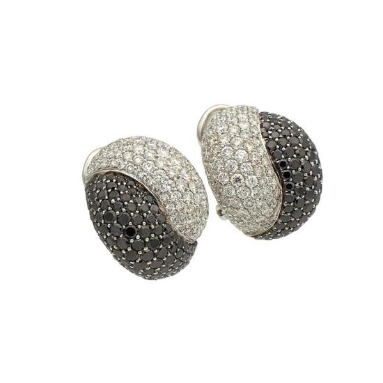 Pendientes de diamantes blancos y negros