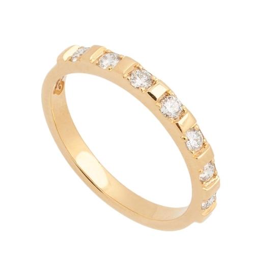 Sortija de oro amarillo con diamantes...